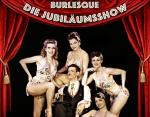 Burlesque Ensemble rote Bühne